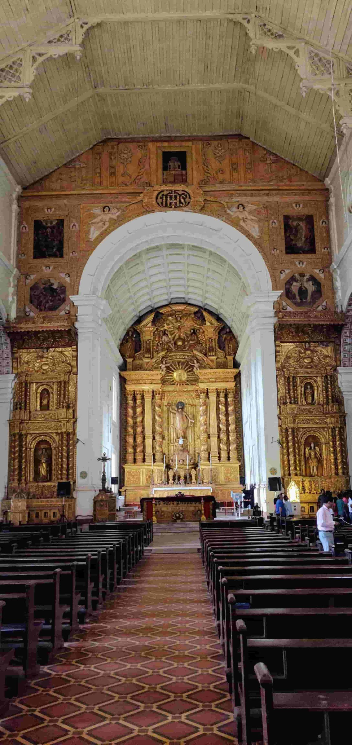 Things To Do In Goa in 2 Days Trip-Basilica of Bom Jesus Church